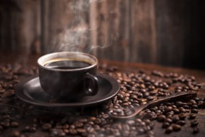 Zobacz w jaki sposób kawa wspomaga proces odchudzania