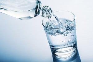 Zimna woda wzmaga apetyt. Zwiększa również zapotrzebowanie na kaloryczne posiłki. Sprawdź dlaczego!