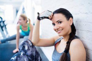 Jak prawidłowo zacząć ćwiczyć na siłowni?