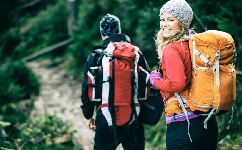 Wybierasz się na trekking? Dowiedz się, jaki plecak trekkingowy będzie dla Ciebie odpowiedni!